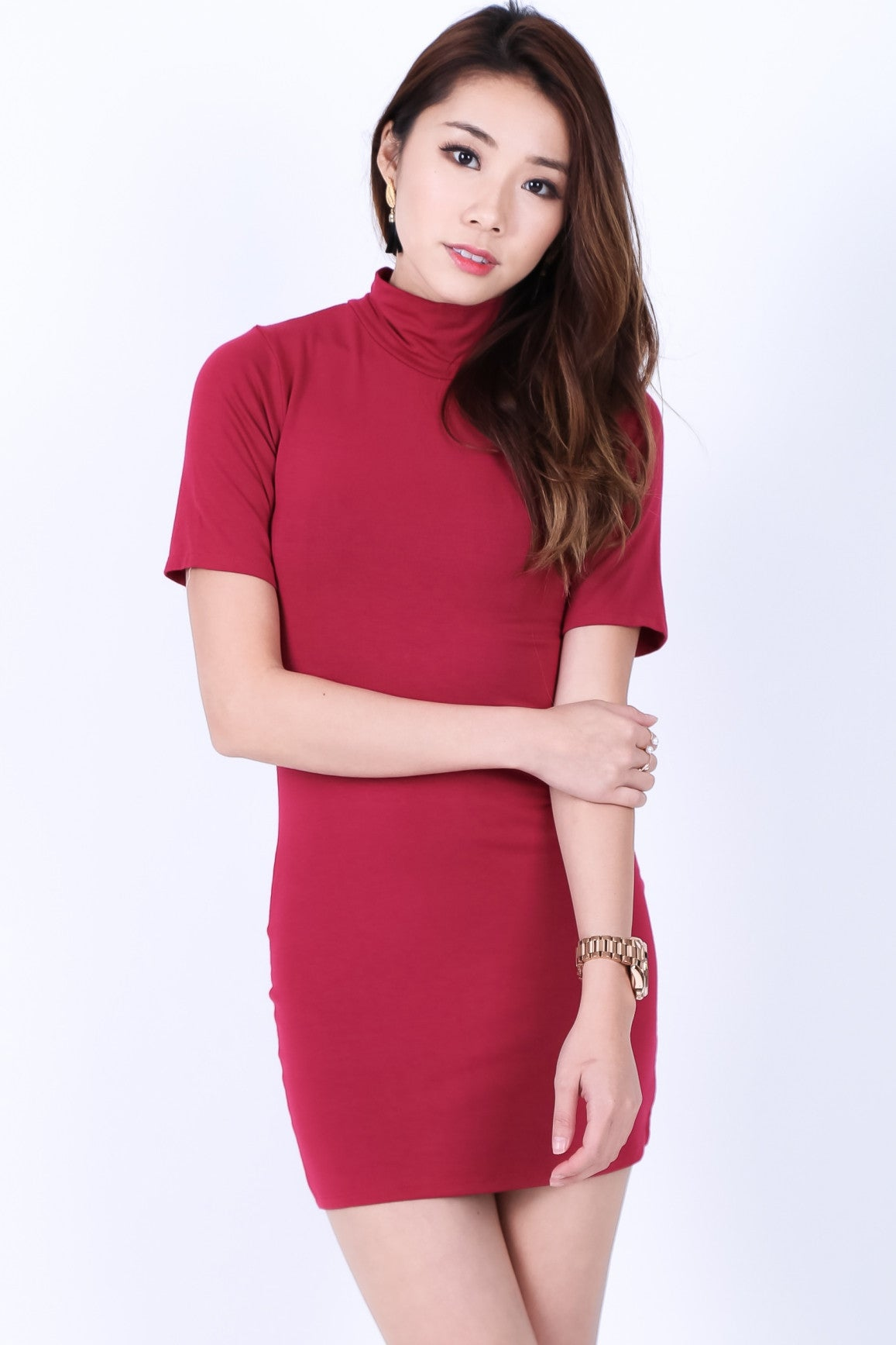 HIGH NECK BASIC TEE DRESS IN WINE - TOPAZETTE