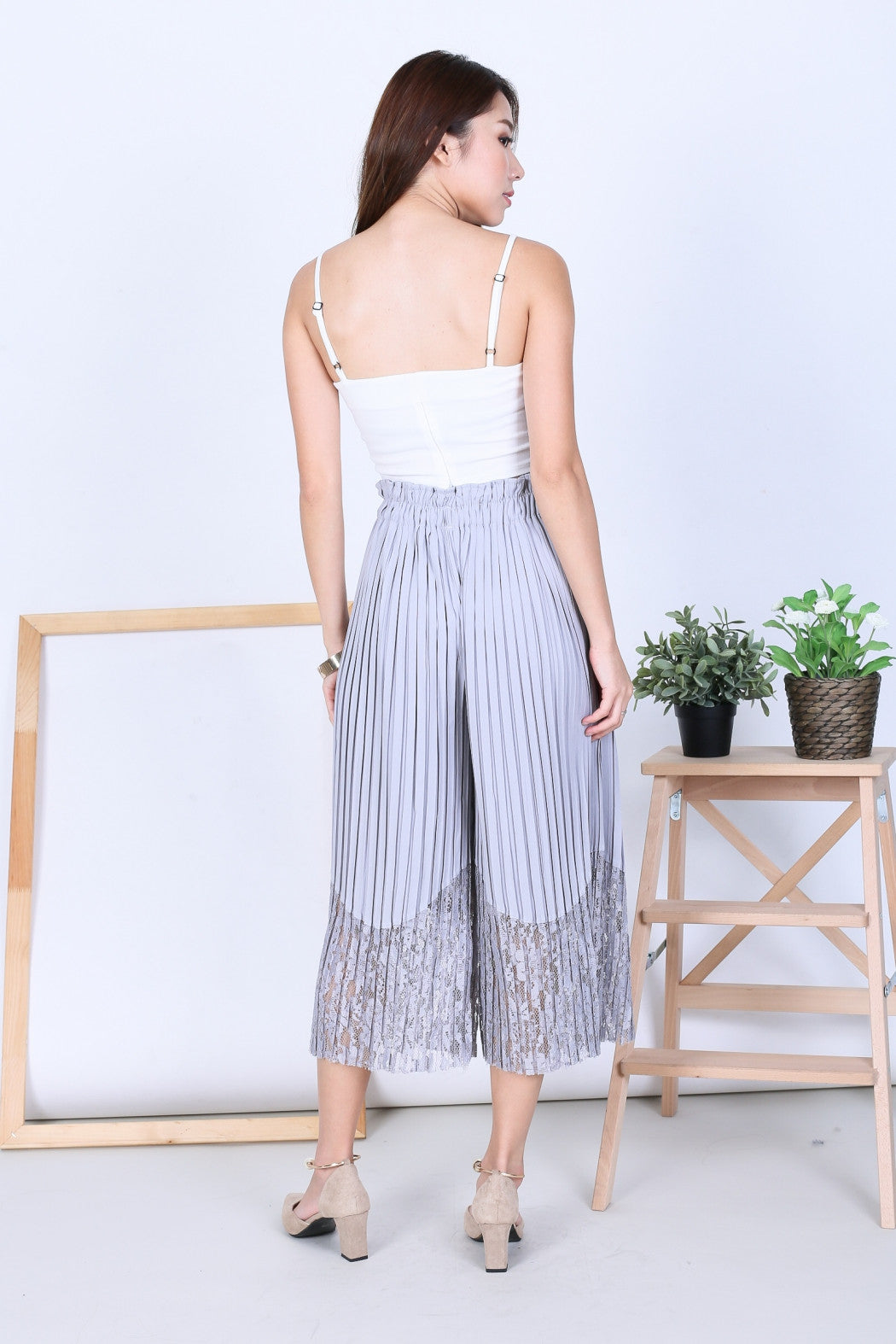 *RESTOCKED* LACE PLEATED CULOTTES IN GREY