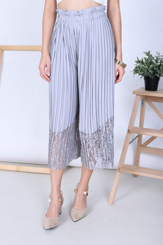 *BACKORDER* LACE PLEATED CULOTTES IN GREY