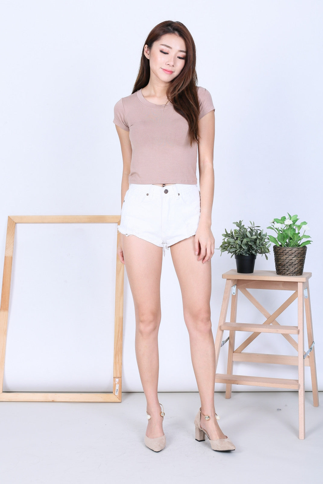 *BACKORDER* OFF DUTY BASIC TEE TOP IN TAUPE