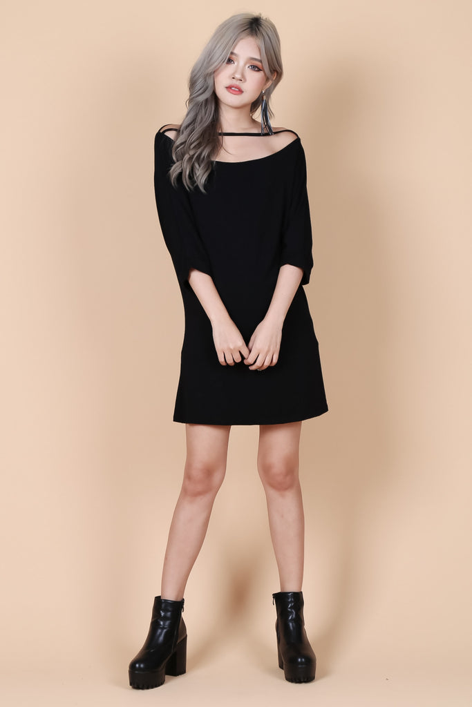 PULL THE STRING DRESS IN BLACK - TOPAZETTE