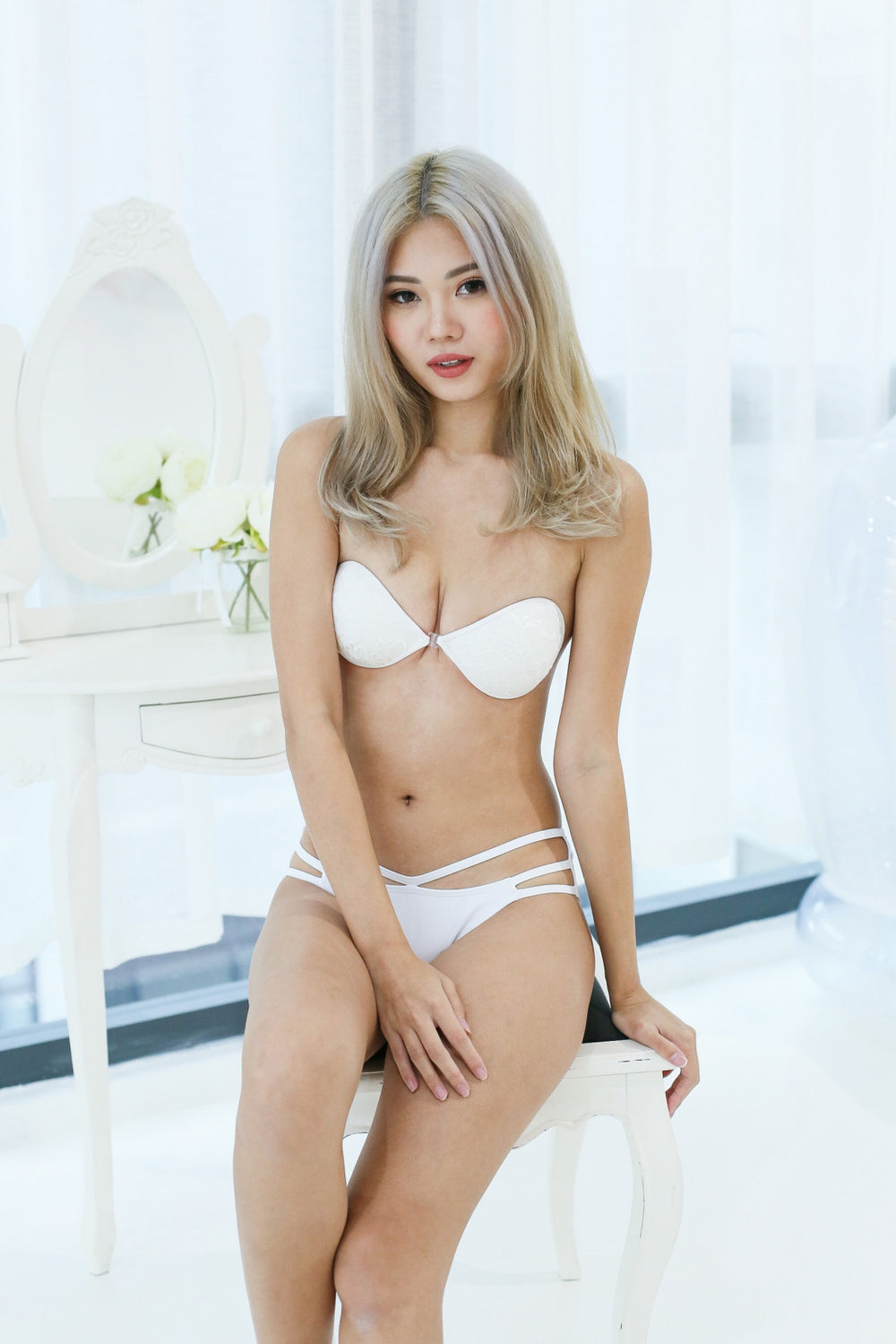 *RESTOCKED* LACE NUBRA IN WHITE