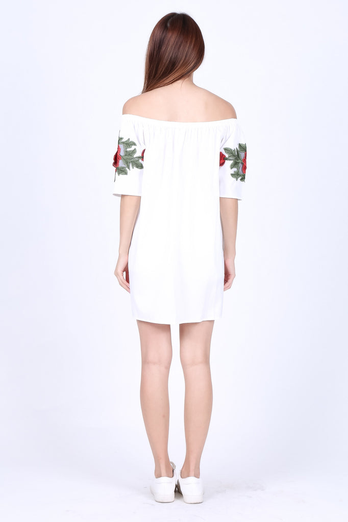 ROSE EMBROIDERED OFFSIE DRESS IN WHITE