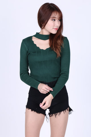 SLAY CHOKER KNIT TOP IN FOREST