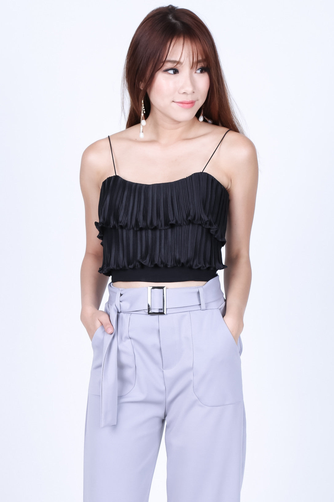 ACCORDION PLEATS CROP TOP IN BLACK - TOPAZETTE