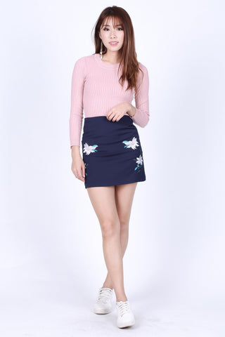 TRINITY FLORAL EMBROIDERY SKIRT IN NAVY