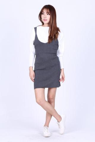 ZIPPED DUNGAREE KNIT DRESS IN GREY