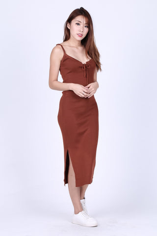 VEE LACED KNIT MIDI DRESS IN CAMEL