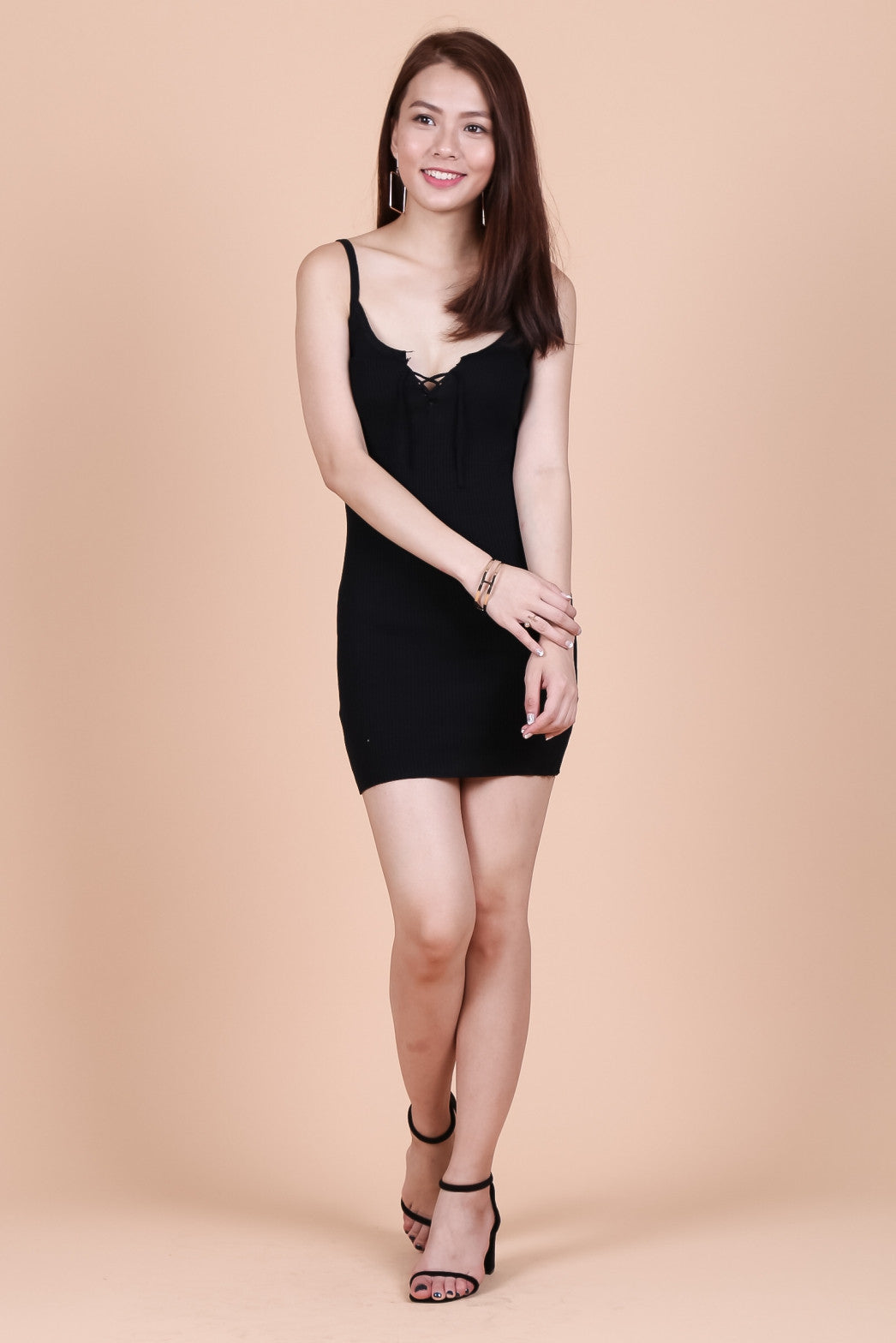 LACED FRONT KNIT DRESS IN BLACK