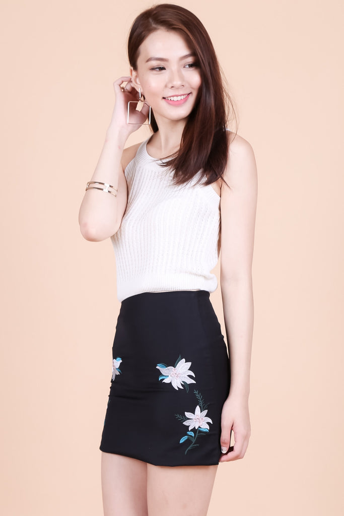 TRINITY FLORAL EMBROIDERY SKIRT IN BLACK