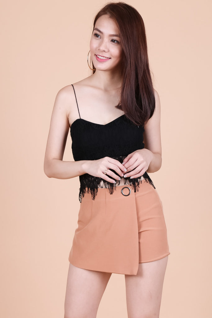 OVERLAP RING SKORTS IN CAMEL - TOPAZETTE