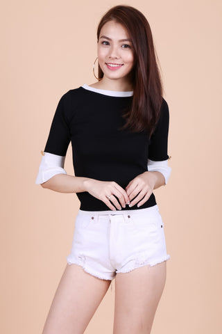 CONTRAST FLARE SLEEVES KNIT TOP IN BLACK - TOPAZETTE