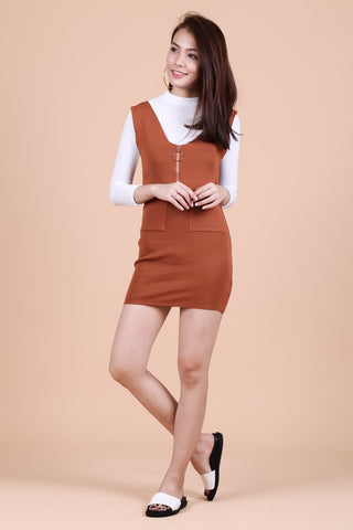 RING ZIPPER KNIT DUNGAREE DRESS IN CAMEL