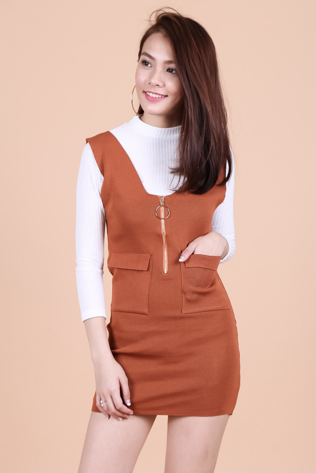 RING ZIPPER KNIT DUNGAREE DRESS IN CAMEL - TOPAZETTE