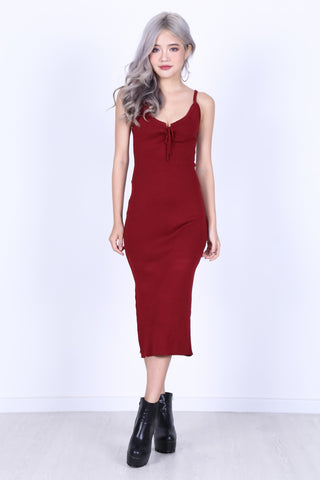 VEE LACED KNIT MIDI DRESS IN WINE