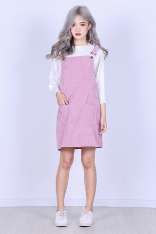 PASTEL DUNGAREE DRESS WITH POCKETS IN BABY PINK