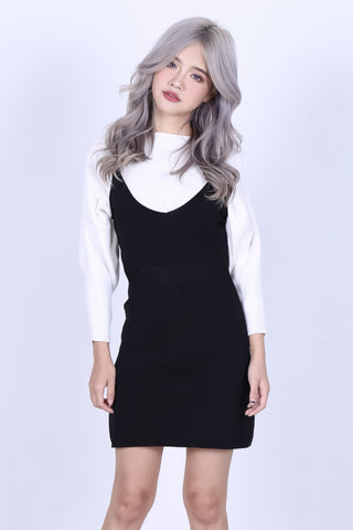 ZIPPED DUNGAREE KNIT DRESS IN BLACK