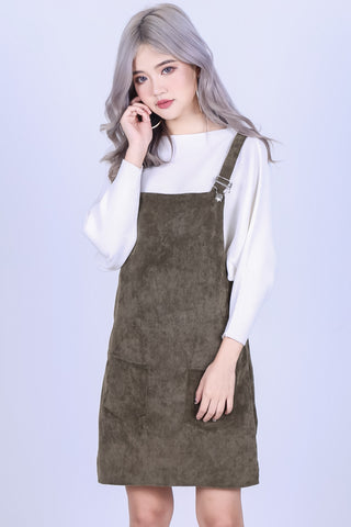 PASTEL DUNGAREE DRESS WITH POCKETS IN OLIVE