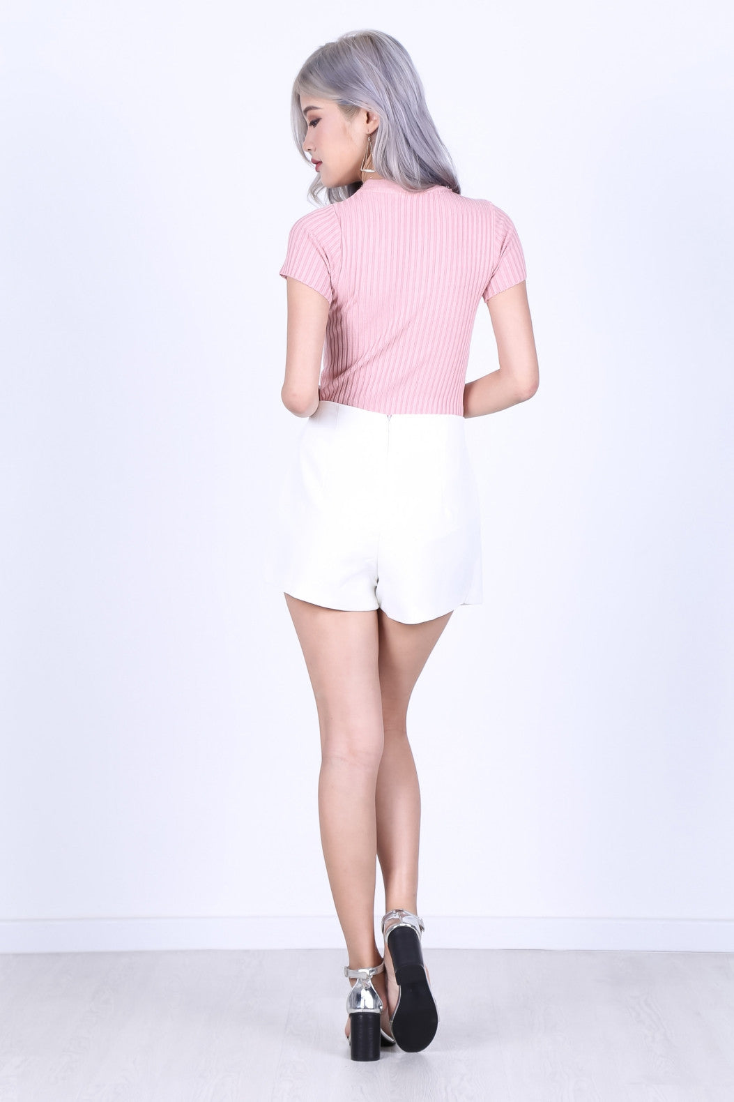 OVERLAP RING SKORTS IN WHITE - TOPAZETTE