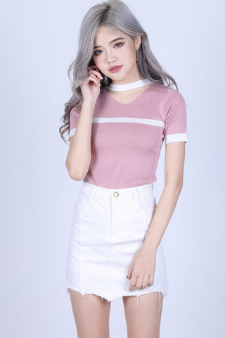 VARSITY CHOKER KNIT TOP IN BABY PINK