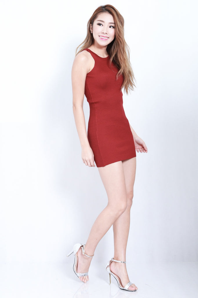 (RESTOCKED) CROSS LACES KNIT DRESS IN WINE - TOPAZETTE