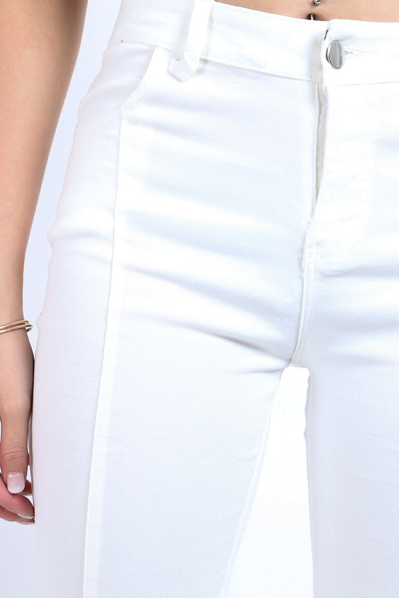 *RESTOCKED* SLIM CUT DENIM JEGGINGS IN WHITE - TOPAZETTE