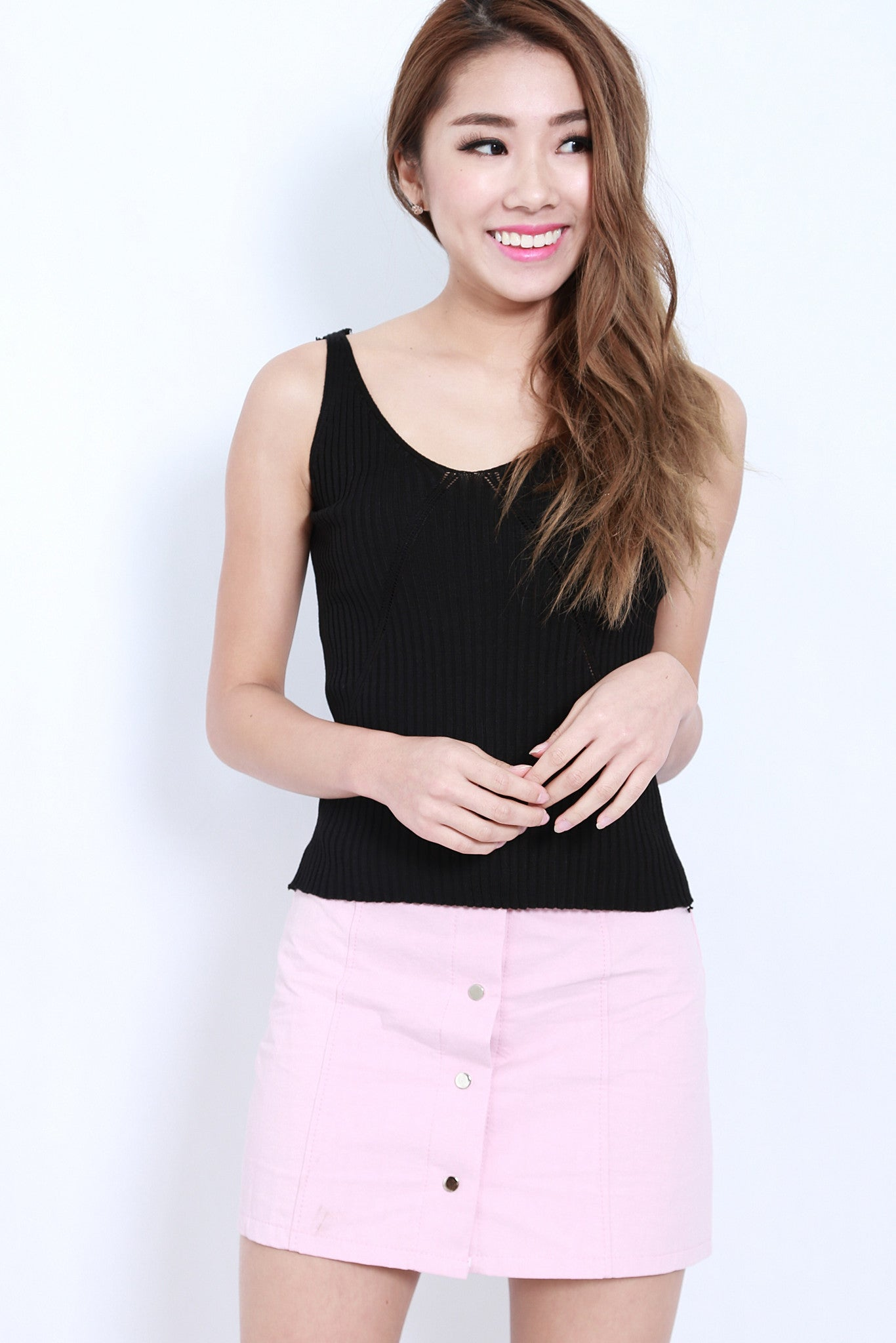 DETAILED KNIT TOP IN BLACK - TOPAZETTE