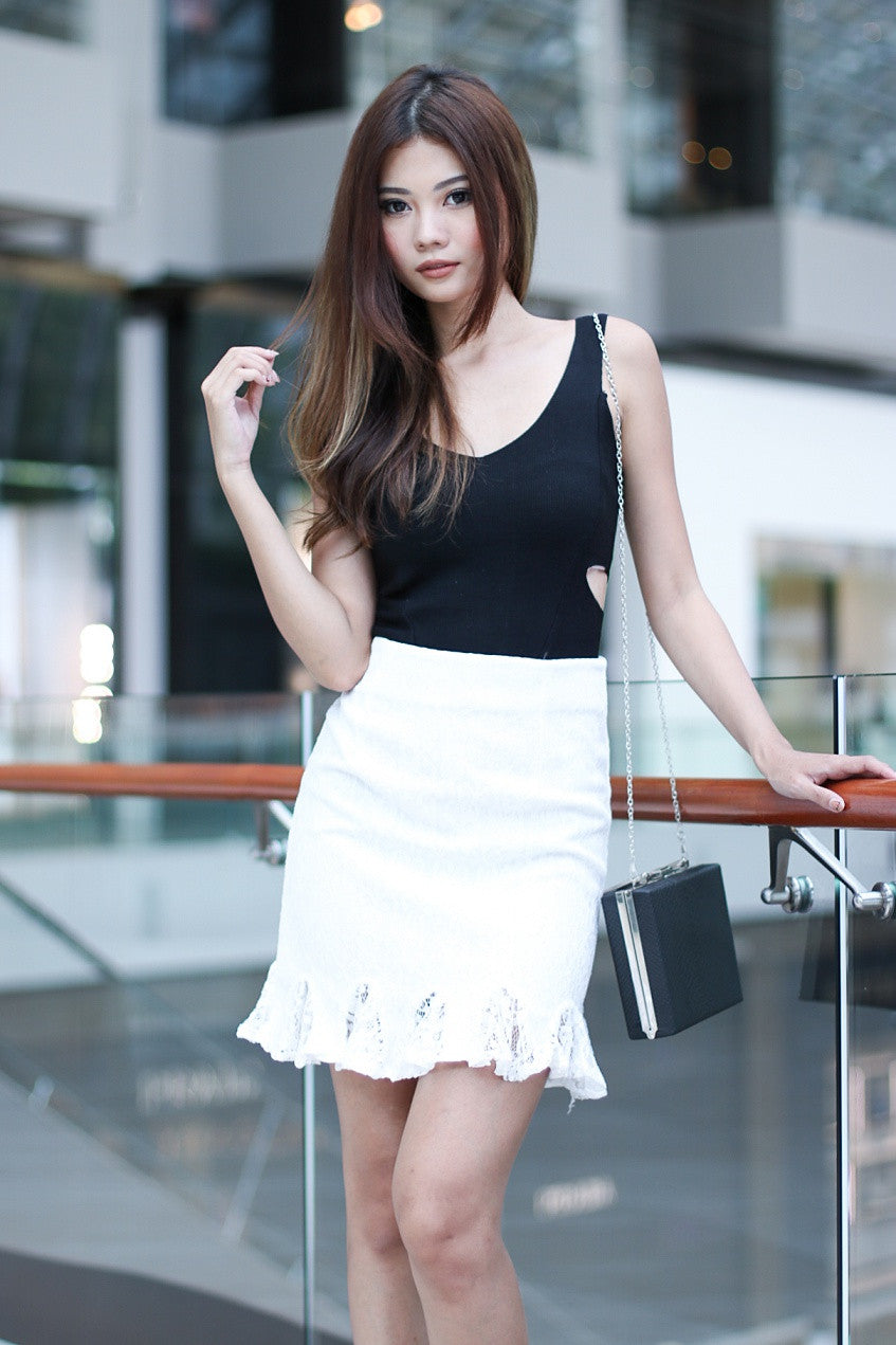 (RESTOCKED) LACE MERMAID SKIRT IN WHITE - TOPAZETTE