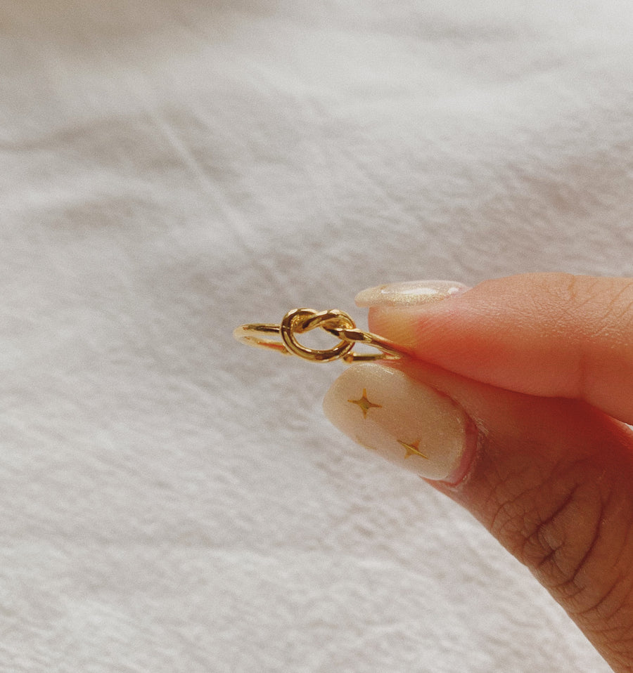 ORLA LOVE KNOT RING