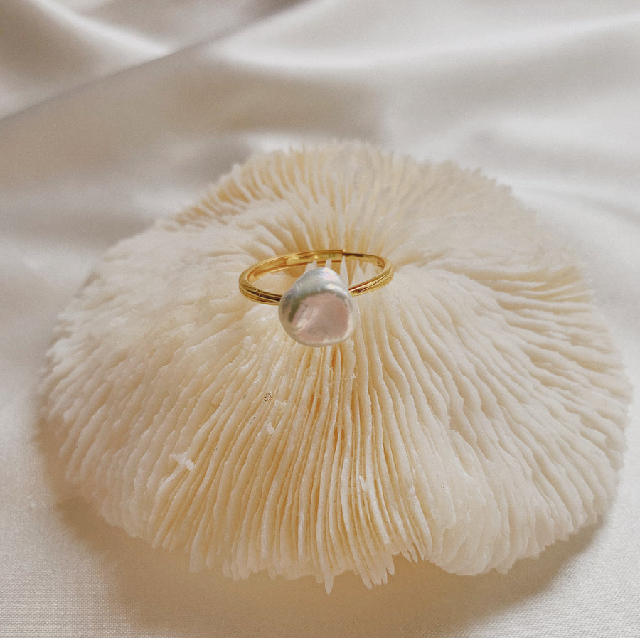 LAILA PEARL RING