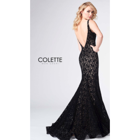 Sleek Lace Trumpet Gown