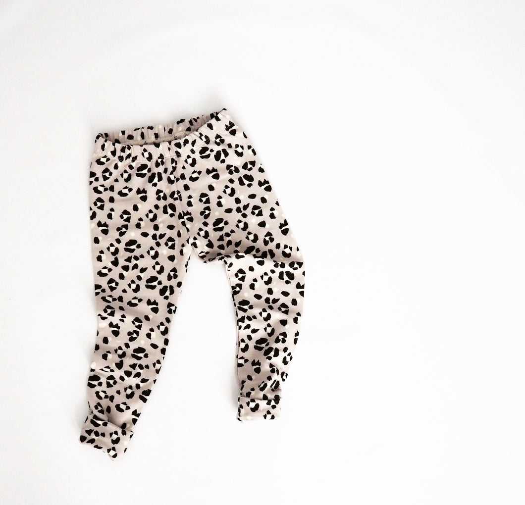 CHILDRENS GENDER NEUTRAL LEGGINGS | LYNX SPOT