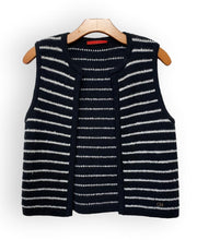 Load image into Gallery viewer, Carolina Herrera Cardigan