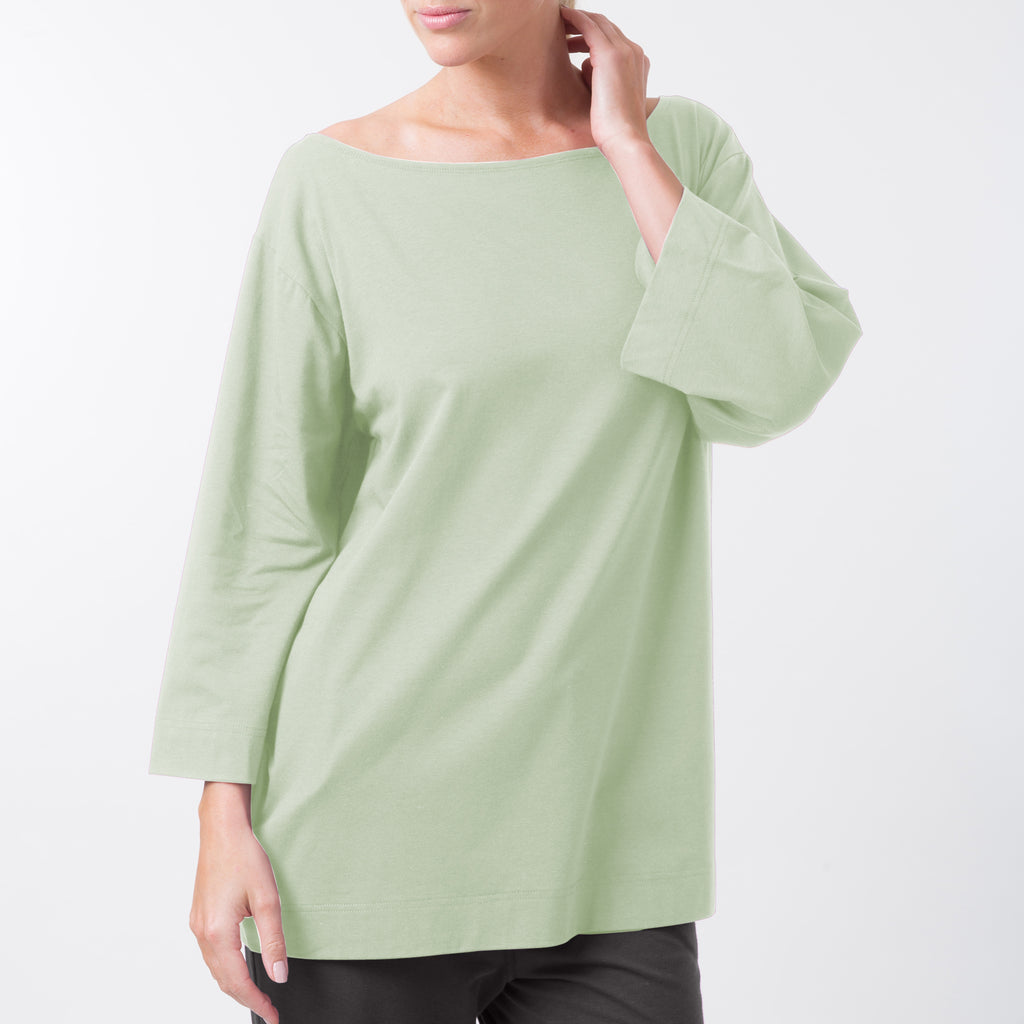 LONG SLEEVED OFF THE SHOULDER TOP
