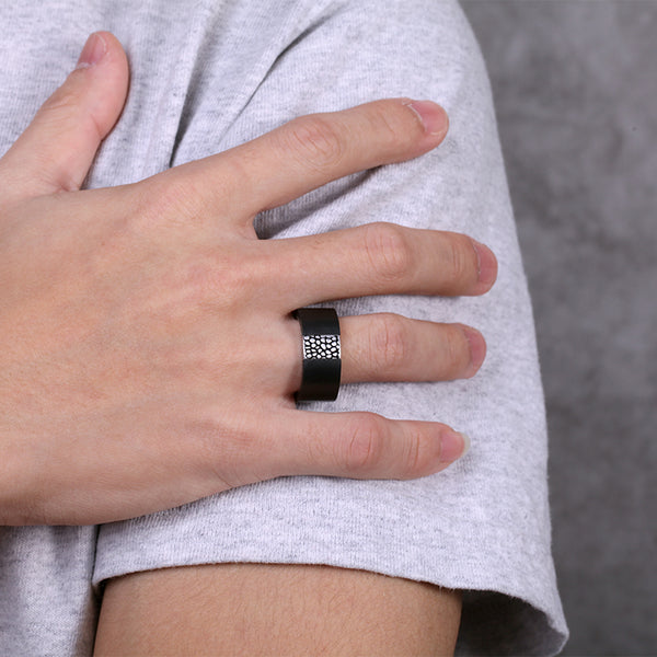 Mens Carbon Ring with Reptile Design
