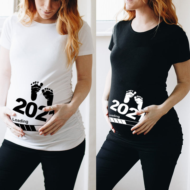 Baby Loading 2021 Pregnancy Announcement T- Shirt