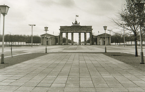 "Photography from the GDR. ""11. Nov. 1985"". Photograph by Gerd DANIGEL"