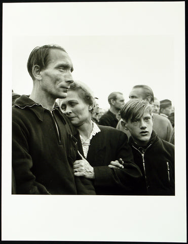"""Willi Aderholt mit Mutter und Sohn, Friedland"", 1955/2010. Photograph by Robert LEBECK"