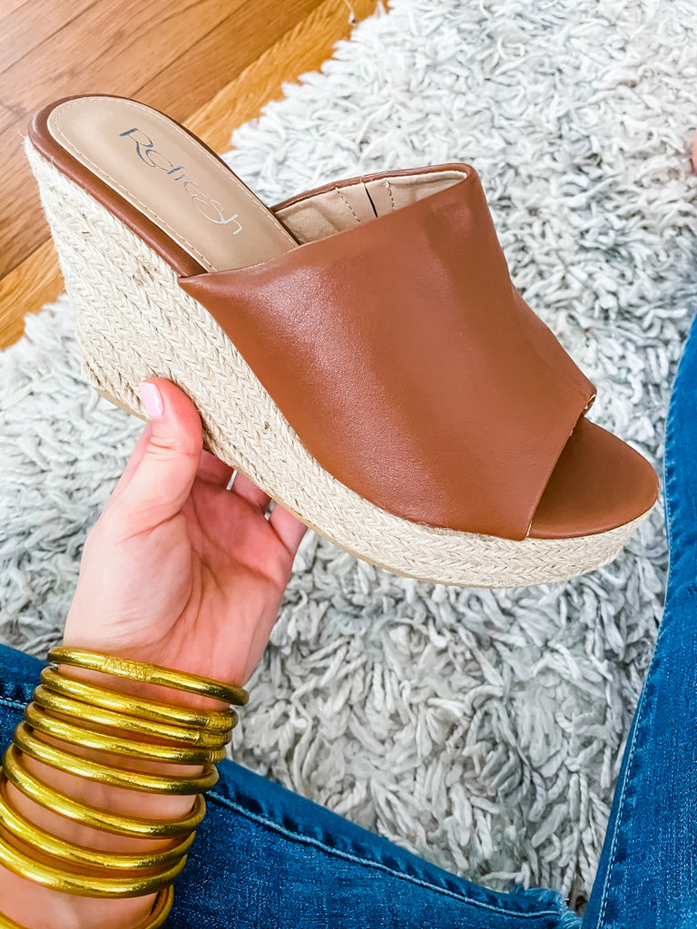 On the Town Wedge- Tan
