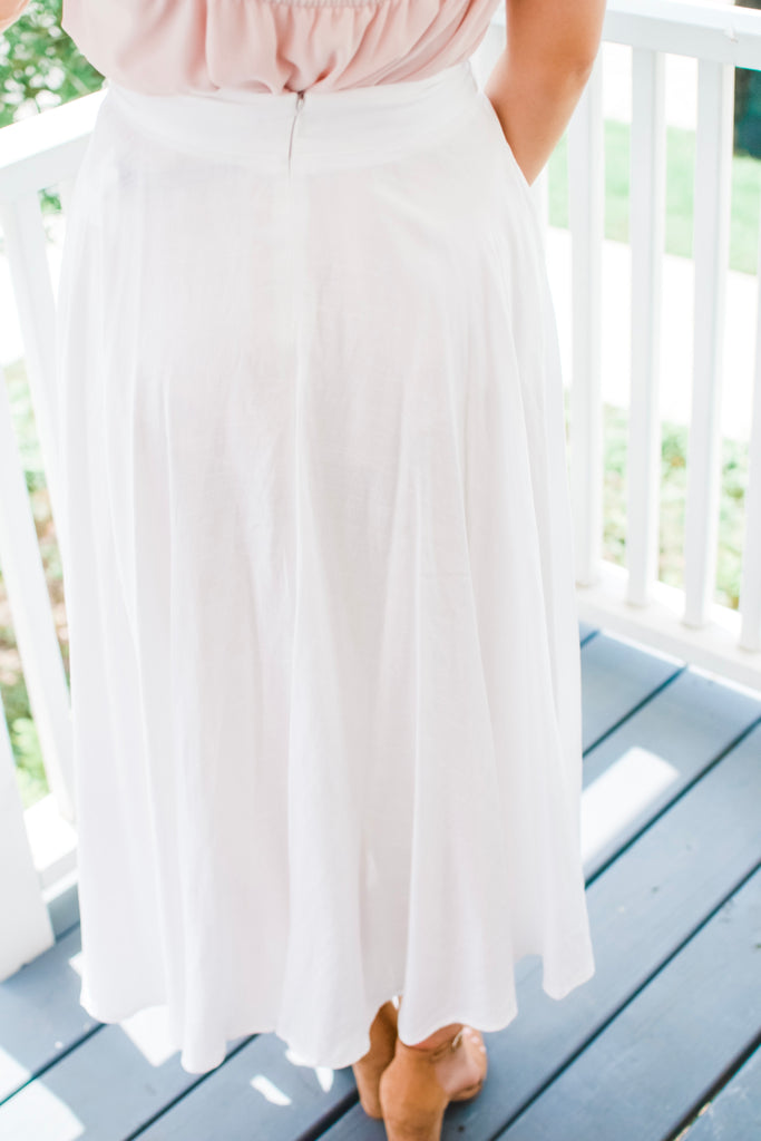 Coming Alive White Maxi Skirt - Pomp & Circumstance