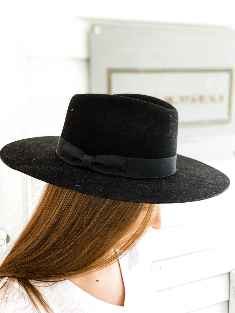 Lila Hard Brim Panama Hat- Black