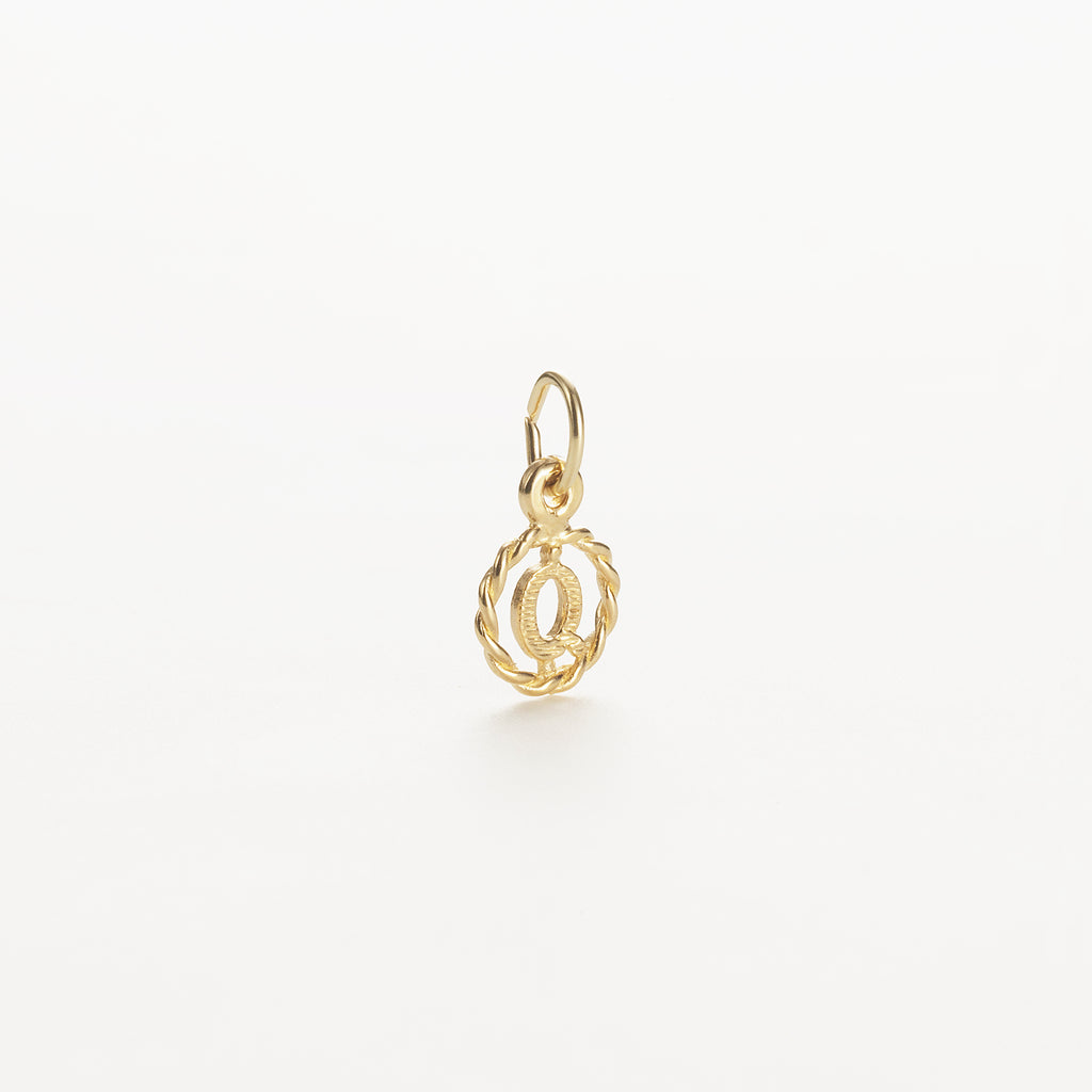 Letter Q 9kt solid gold charm