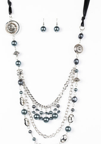 Paparazzi All The Trimmings Black Blockbuster Necklace -  Paparazzi