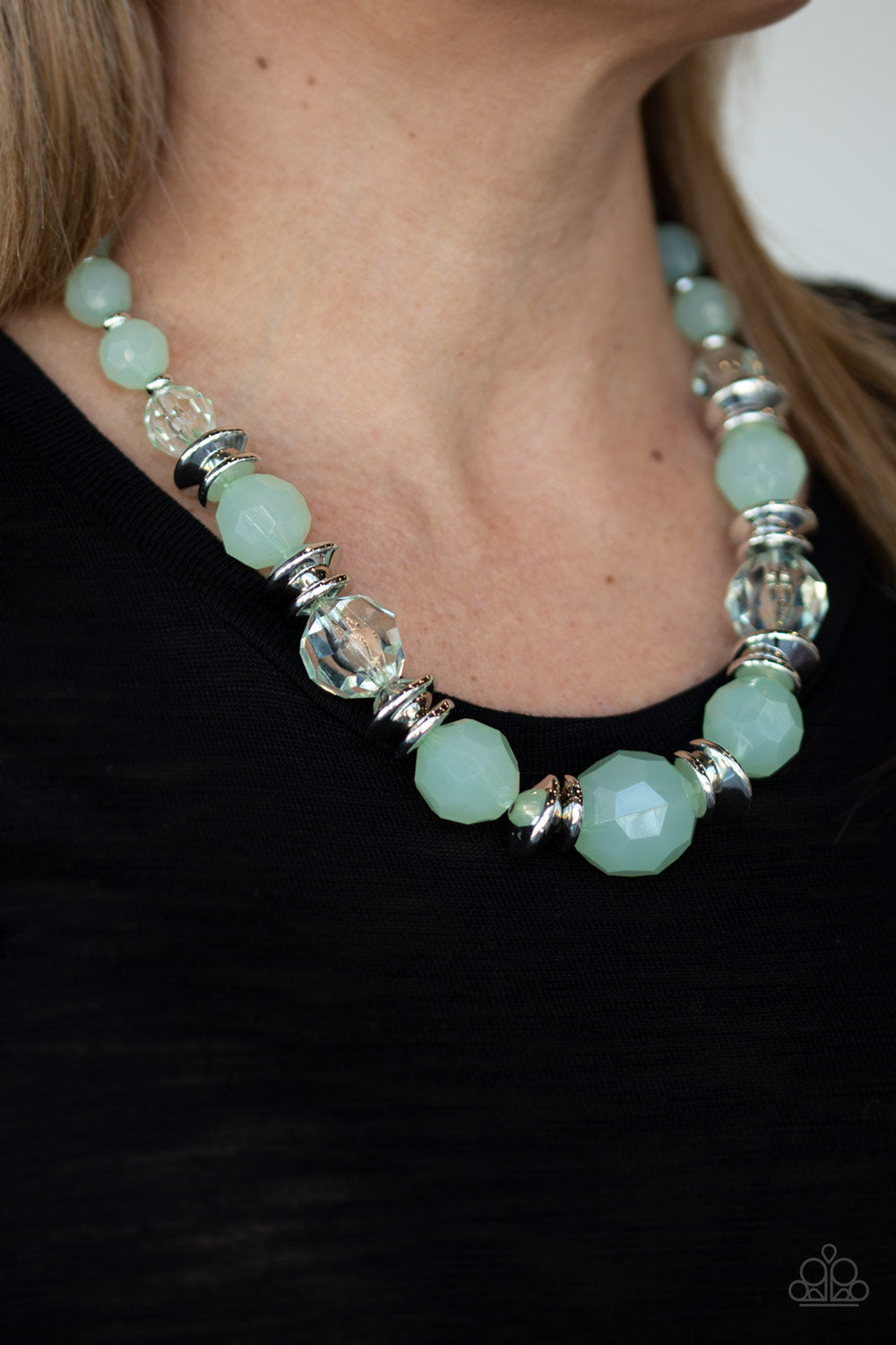 Dine and Dash Green Paparazzi Necklace - JewelTonez Jewelry