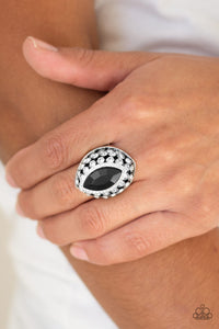 Royal Radiance Black Ring Paparazzi - JewelTonez Jewelry
