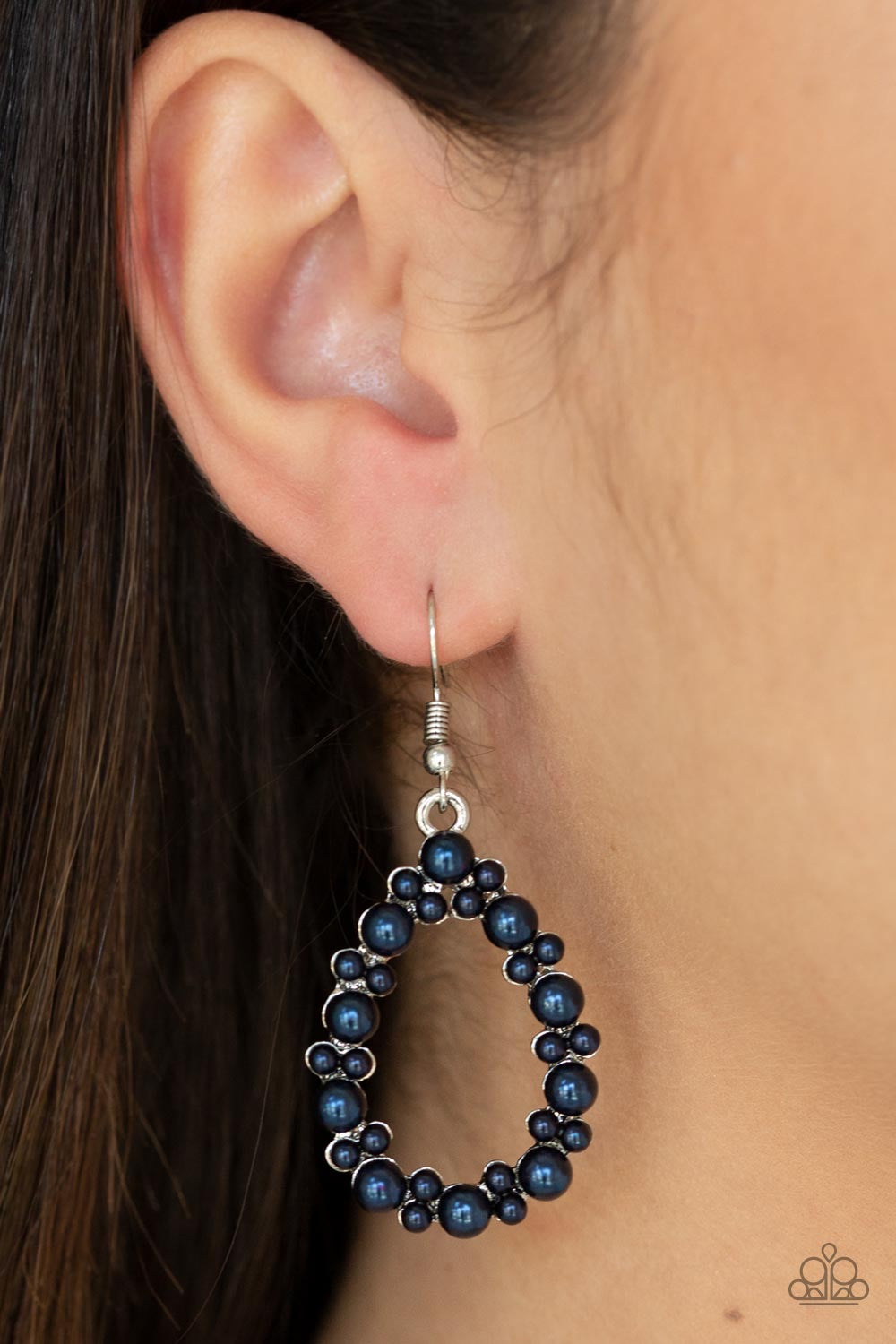 Pearl Spectacular Blue Paparazzi Earring - JewelTonez Jewelry
