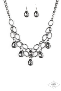 Show Stopping Shimmer Black Necklace - Paparazzi