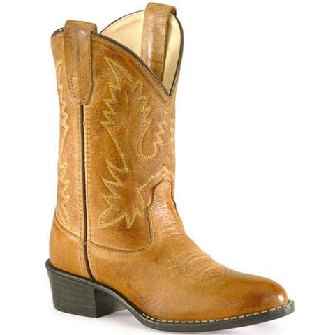 Leather Bella & Lace cowboy boots will keep little feet warm and dry.