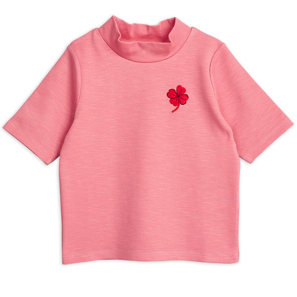 Mini Rodini Clover Badge SS Tee (Pink) | Tiny People