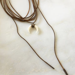 ANTIQUE DOUBLE HORN WRAP AROUND - Necklace